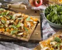 Kürbispizza mit Apfel