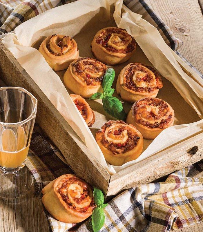 Pizzaschnecken mit Paprika und Schinken