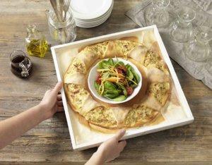 Pizzaring mit Schinken und Käse
