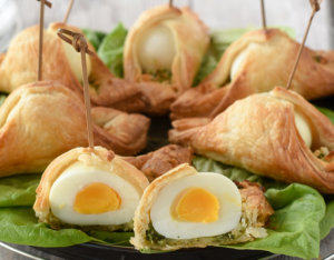 Ei im Blätterteig