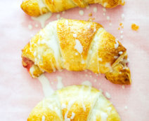 Erdbeer-Cheesecake Croissants