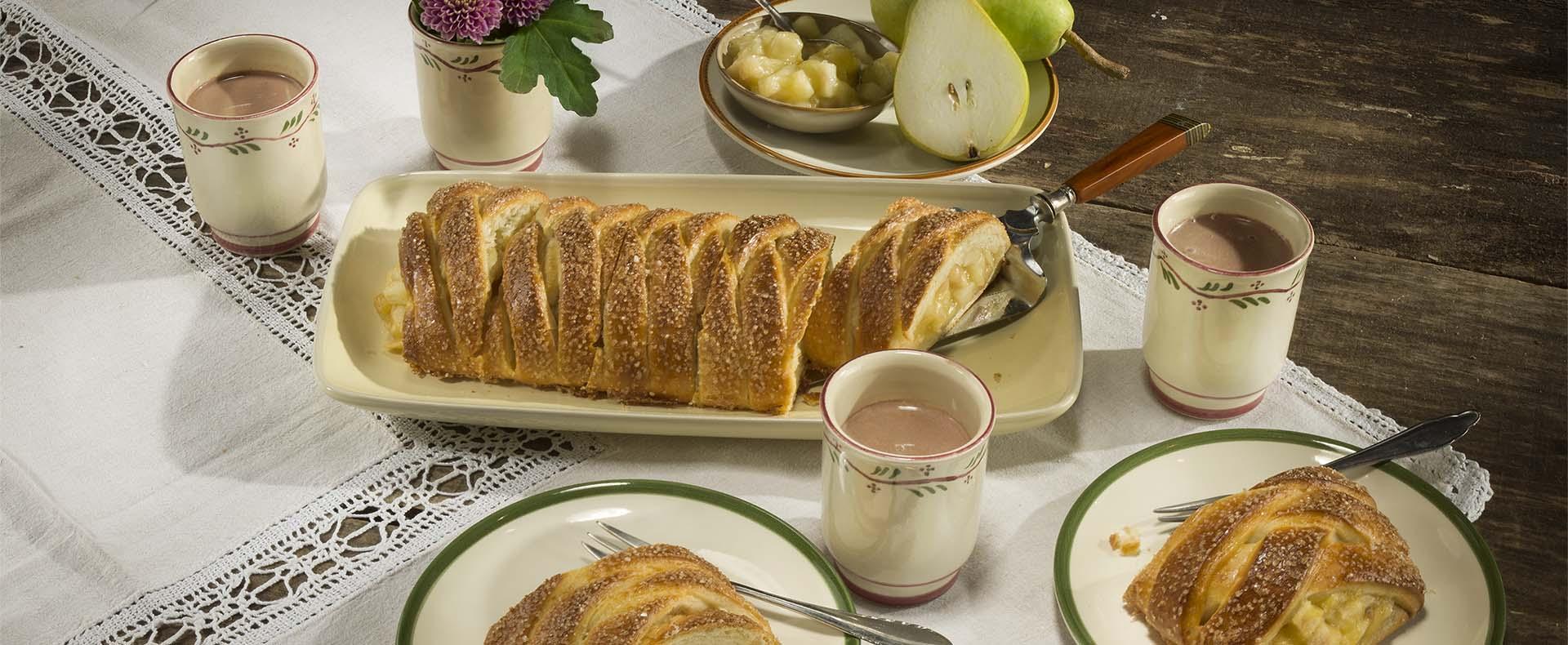 Rezept Flechtzopf mit Birne und Mandeln Tante Fanny