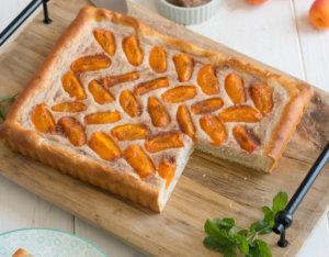 Grieß-Marillenkuchen