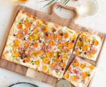 Flammkuchen mit Süßkartoffeln und Haselnüssen