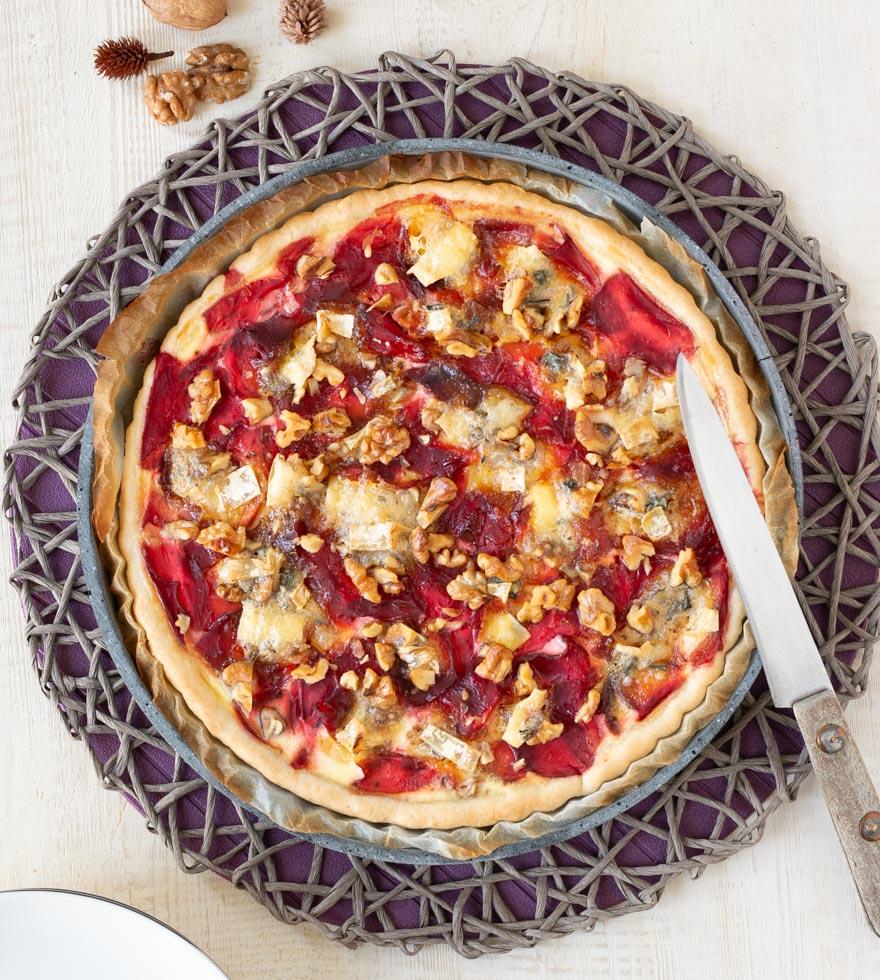 Rote Beete Quiche mit Walnüssen