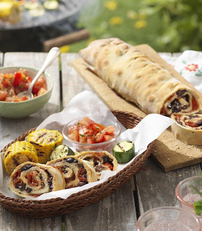 Ciabatta mit Tomaten und Oliven