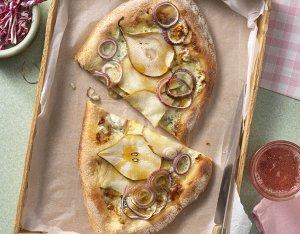 Pinsa mit Gorgonzola und Birne