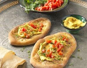 Pinsa mit Hummus
